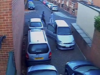 Video of man chokeslamming thief who stole his car stereo