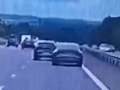 Audi Manage That! – Reckless Driver Overtakes By Veering Onto Motorway Reservation