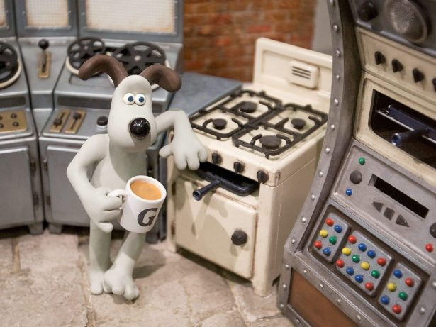 WATCH: Barking mad mechanic makes Wallace & Gromit breakfast machine