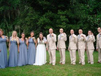 Bride With Broken Wrist Was Stunned When Entire Bridal Party Wore Matching Bandages On The Big Day