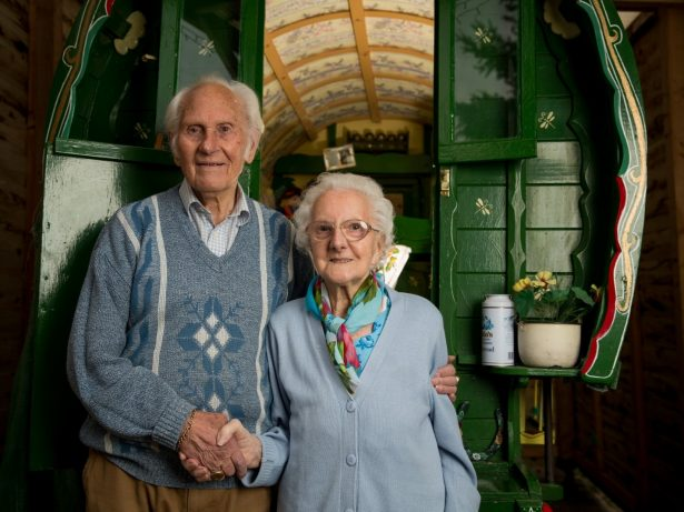Little Girl Finally Gets Dream Hand-Painted Gypsy Caravan - 80 Years After Promise From Dad