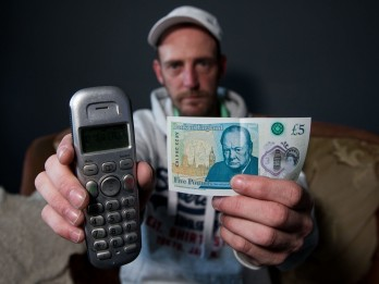 Man stunned to find serial number on his new £5 note was same as his PHONE NUMBER