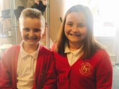 Rapunzel Schoolgirl Never Had A Trim Chops Hair To Support Her Best Mate With Cancer