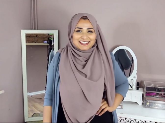 British Muslim Woman Sets Hijab Challenge