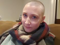"""Woman Diagnosed With Terminal Cancer Writes """"Living List"""" Of Things She Wants To Do Before She Dies"""