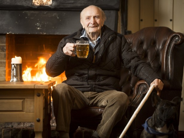 Britain's Long-Serving Pub Regular Has Been Drinking In Same Boozer For 81 YEARS!