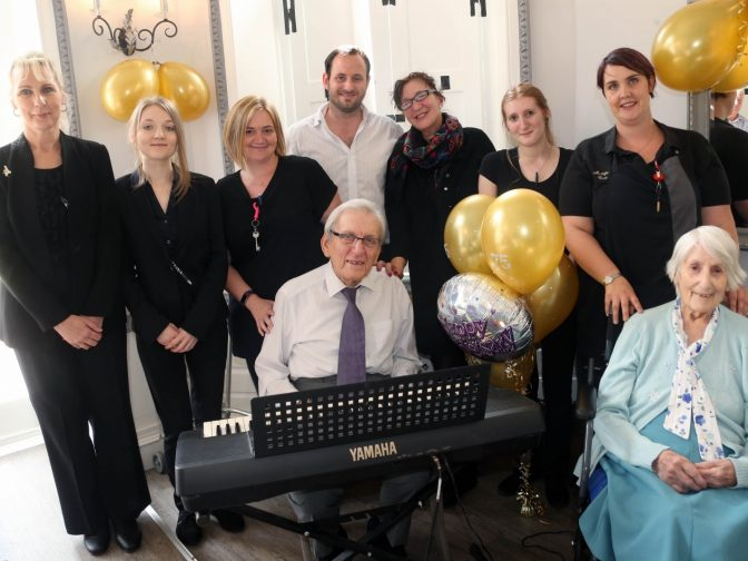 WATCH – 94-Year-Old Pianist With Dementia Plays Wife's Favourite Song On 75th Wedding Anniversary