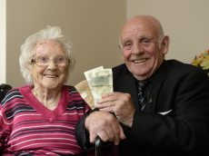 Pensioner Finds Full Pay Packet 62 Years After Giving It To His Mum For Sake Keeping