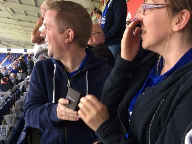 Romantic Leicester fan proposes to girlfriend on the big screen at the King Power Stadium