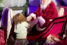 This Is The Adorable Moment Little Girl Took Her First Steps Unaided – To See Santa