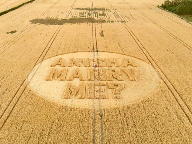 Amazing Footage Shows Man Propose To His Sci-Fi Fan Girlfriend – And Pop The Question In A CROP CIRCLE