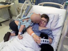 Precious Photo Shows Little Girl Giving Her Big Brother A Thank You Kiss After He Saved Her Life With A Bone Marrow Transplant