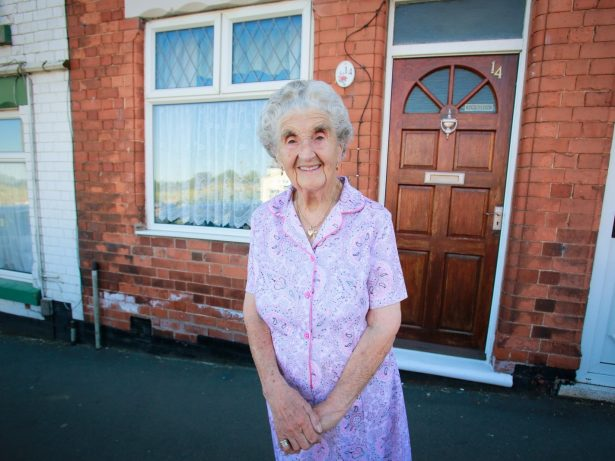 Great-Grandmother Lives In The Same House Which She Was Born In 100 YEARS Ago