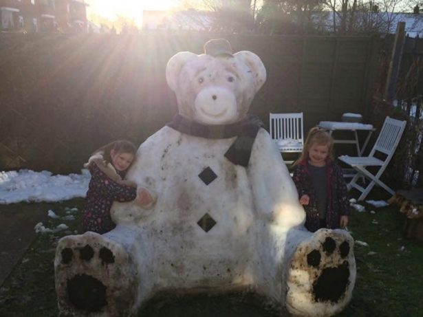 This Incredible Six Foot Snow Teddy Was Built In Just Five Hours