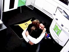Builder Proposes To His Unsuspecting Girlfriend In Escape Room Challenge
