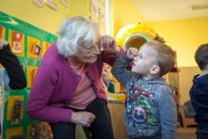 Gran With Vascular Dementia Finds New Lease Of Life – By Volunteering At A NURSERY