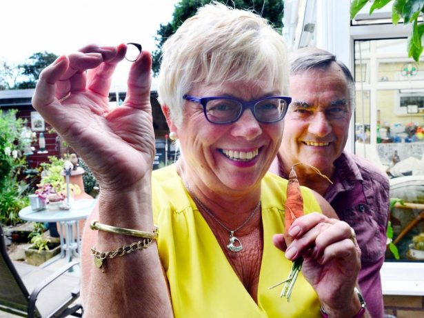 Woman Reunited With Lost Ring After It Was Found - Grown Around CARROT Dug Up In Her Garden
