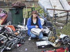 Heartbroken Mum Comes Home To Find All Belongings Thrown Out Of Flat Window