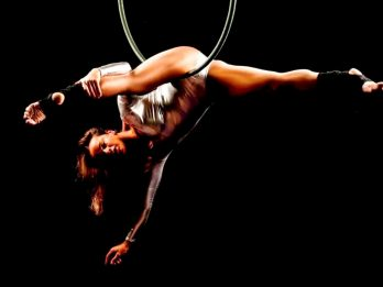 Woman Who Had Never Exercised In Her Life Loses Weight By Pole Dancing To Become One Of UK's Top Bodybuilders
