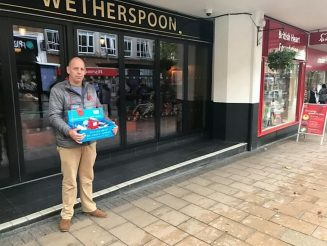 Wetherspoons Manager Forces Poppy Seller Seeking Shelter To Stand Out In The Pouring Rain