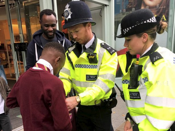 Police Praised For Helping Lad Tie His Tie On First Day Of School
