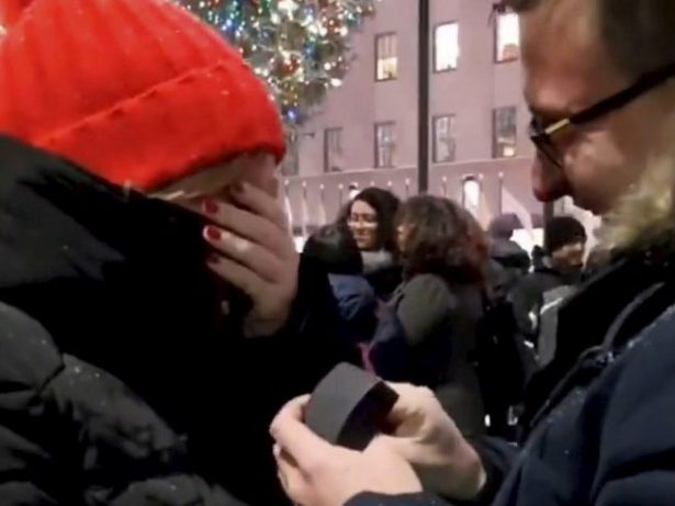 Romantic Surprises Love Of His Life By Secretly Travelling To New York To Propose