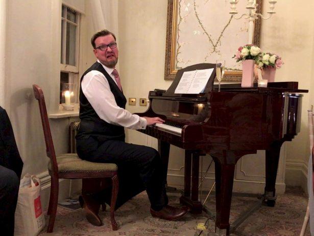 'Best Best-Man Speech Ever' - Best Man Stunned Wedding Guests With Hilarious Musical Number