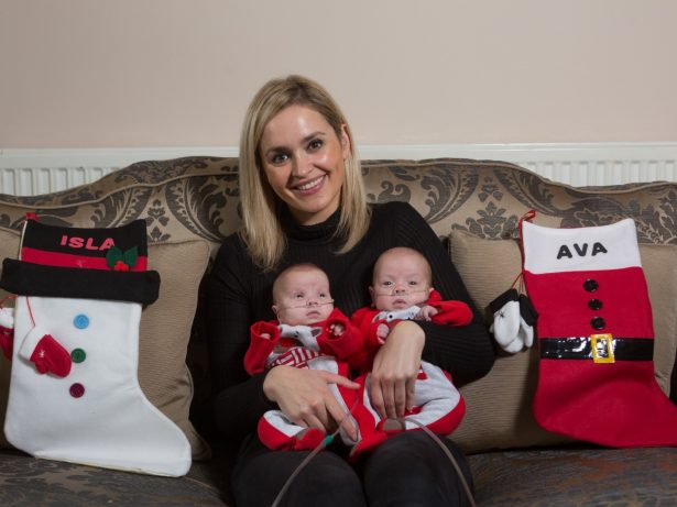 Smallest Twins Born In Britain This Year With Combined Weight Of A Bag Of Sugar Have Made It Home In Time For Christmas