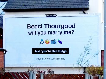 Man Surprised His Girlfriend When He Proposed On A Giant Billboard